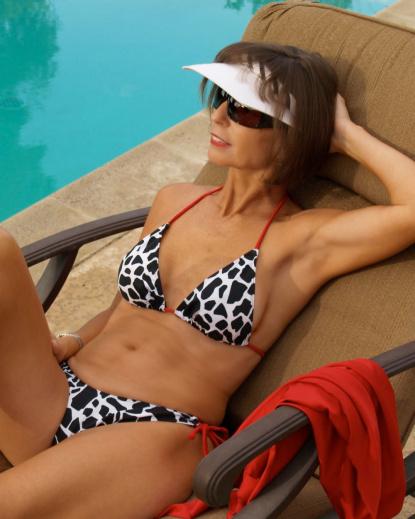 accent rouge triangle bikini top brigitewear